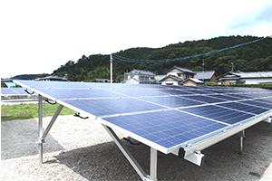 台風被害により倒壊した太陽光発電所